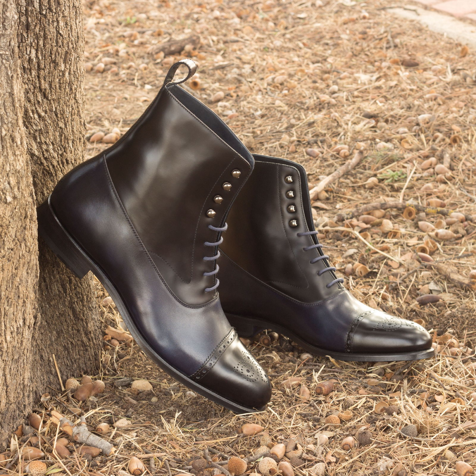 Balmoral boot  black polished calf + navy painted calf : 260€