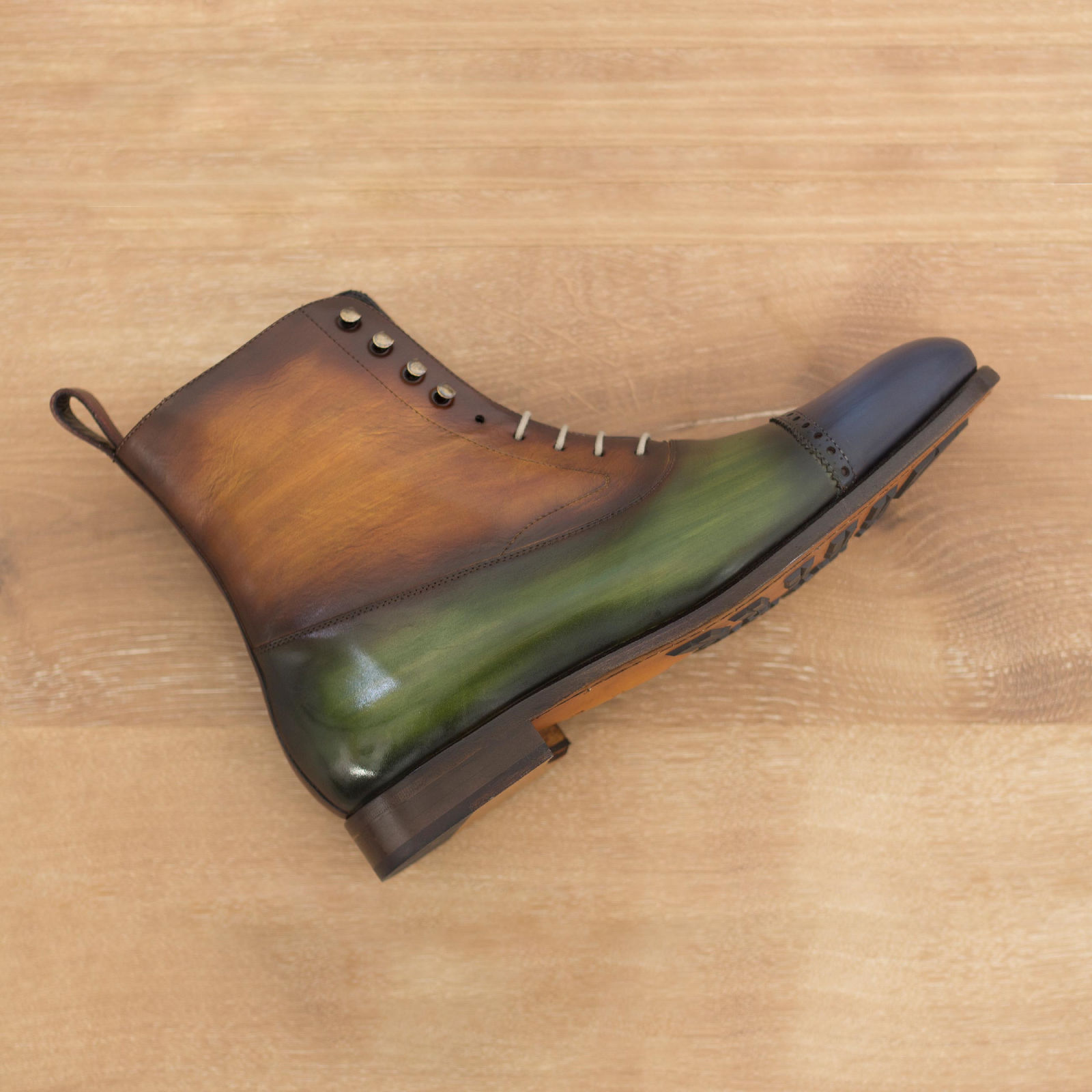 Balmoral boot burgundy crust patina + denim crust patina + cognac crust patina + khaki crust patina : 370€