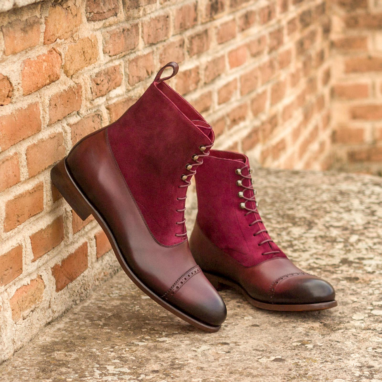 Balmoral boot wine kid suede + burgundy painted calf : 260€