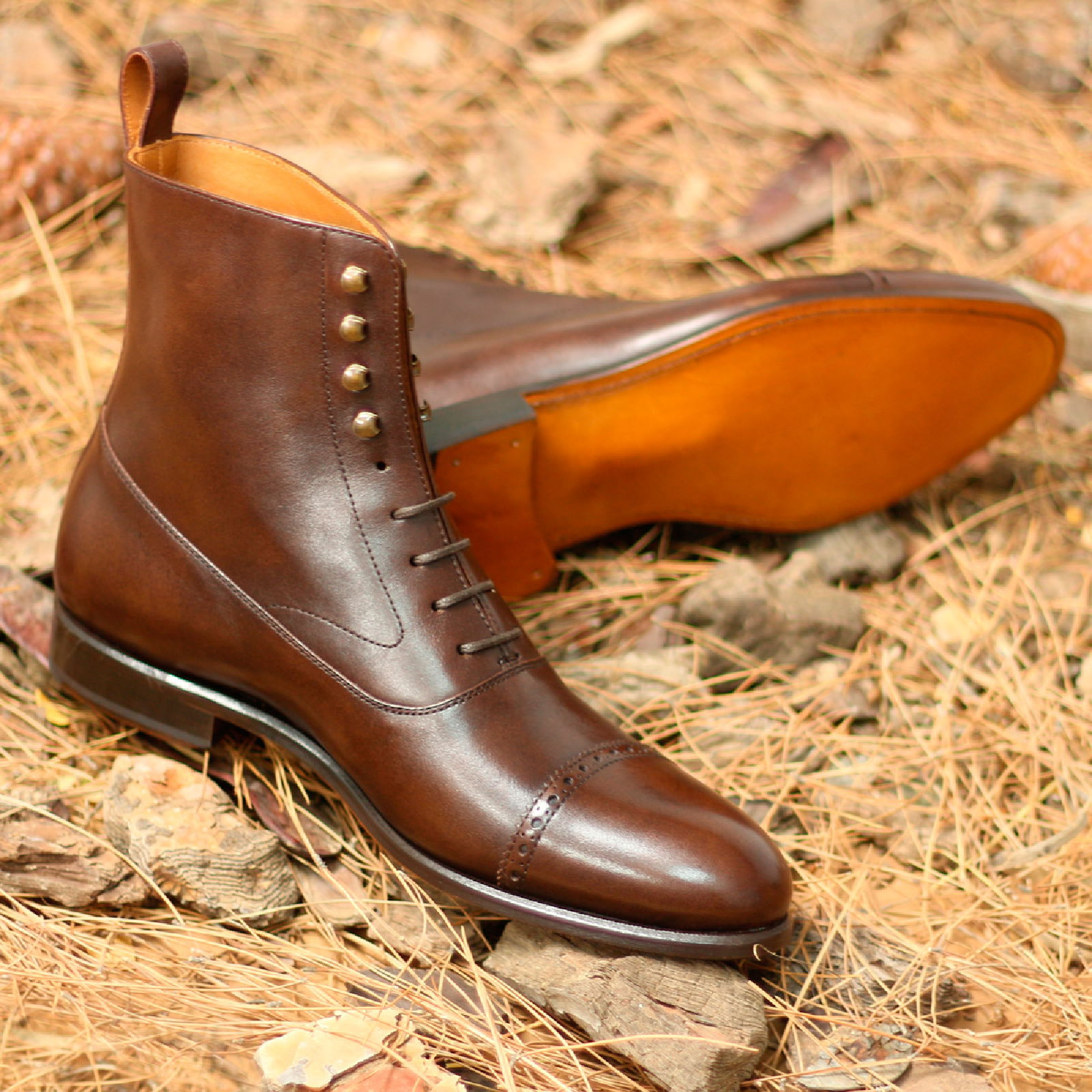 Balmoral boot dark brown painted calf : 260€