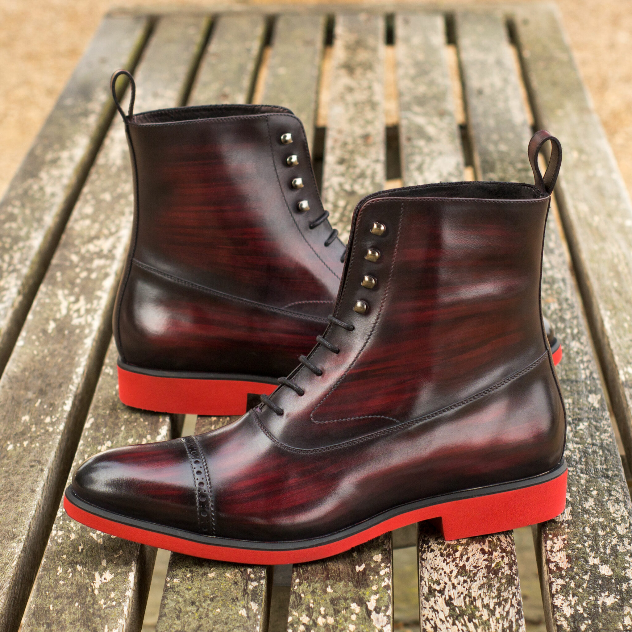 Balmoral boot  burgundy crust patina : 370€