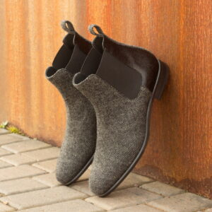 Chelsea boot  nailhead sartorial + black pebble grain : 250€