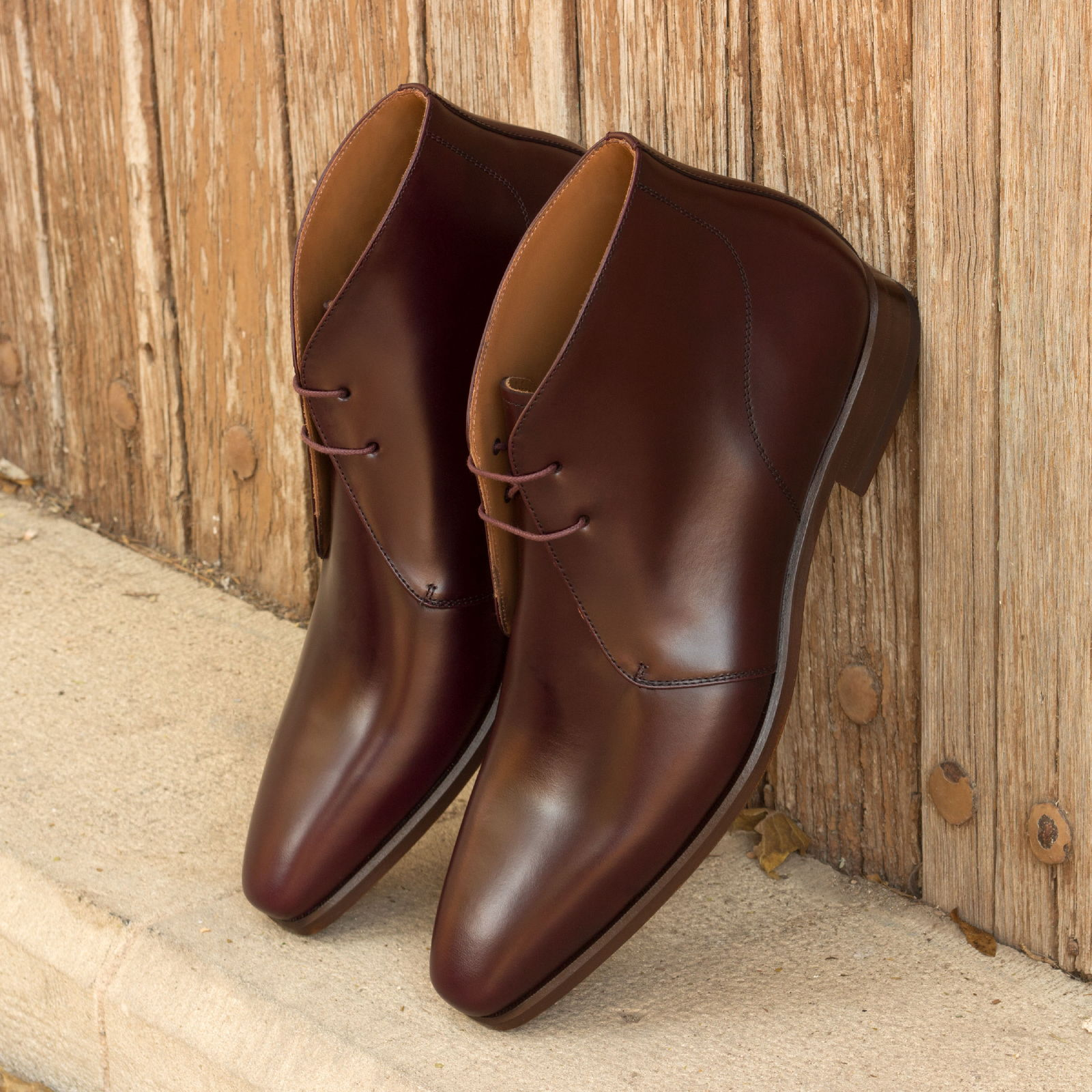 Chukka boot burgundy polished calf : 250€