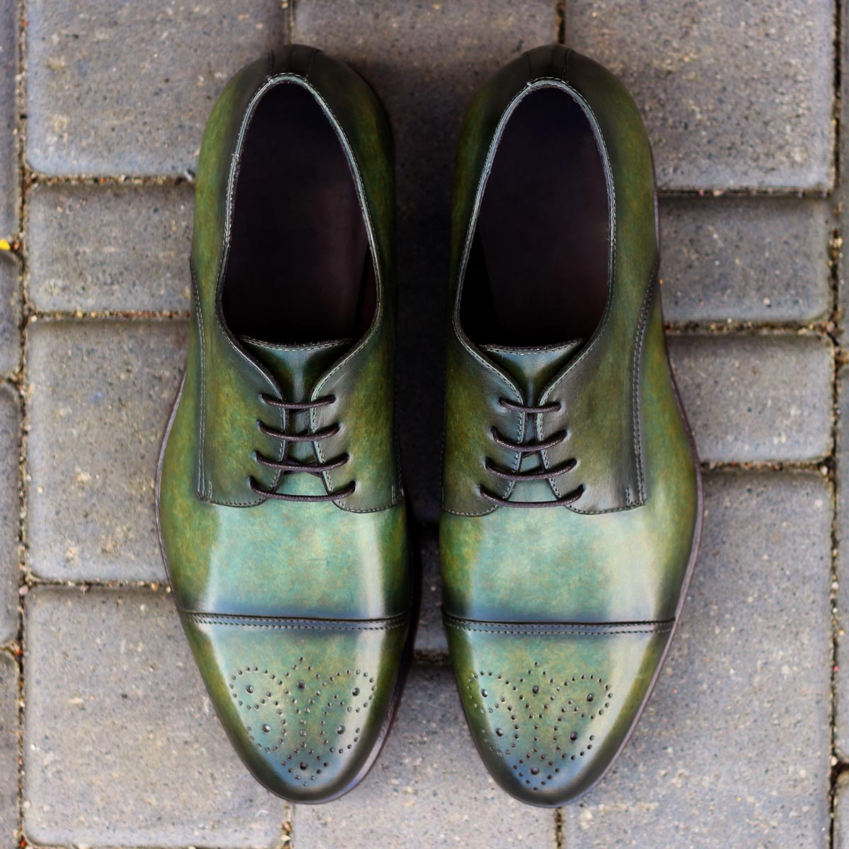 Derby  khaki crust patina : 330€