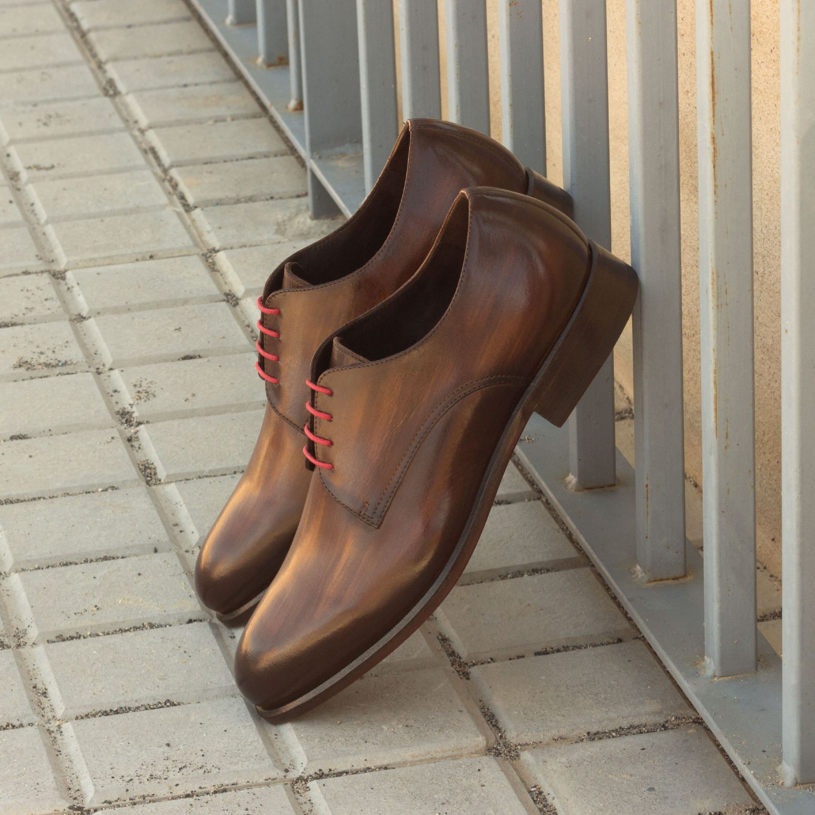 Derby  brown crust patina : 330€