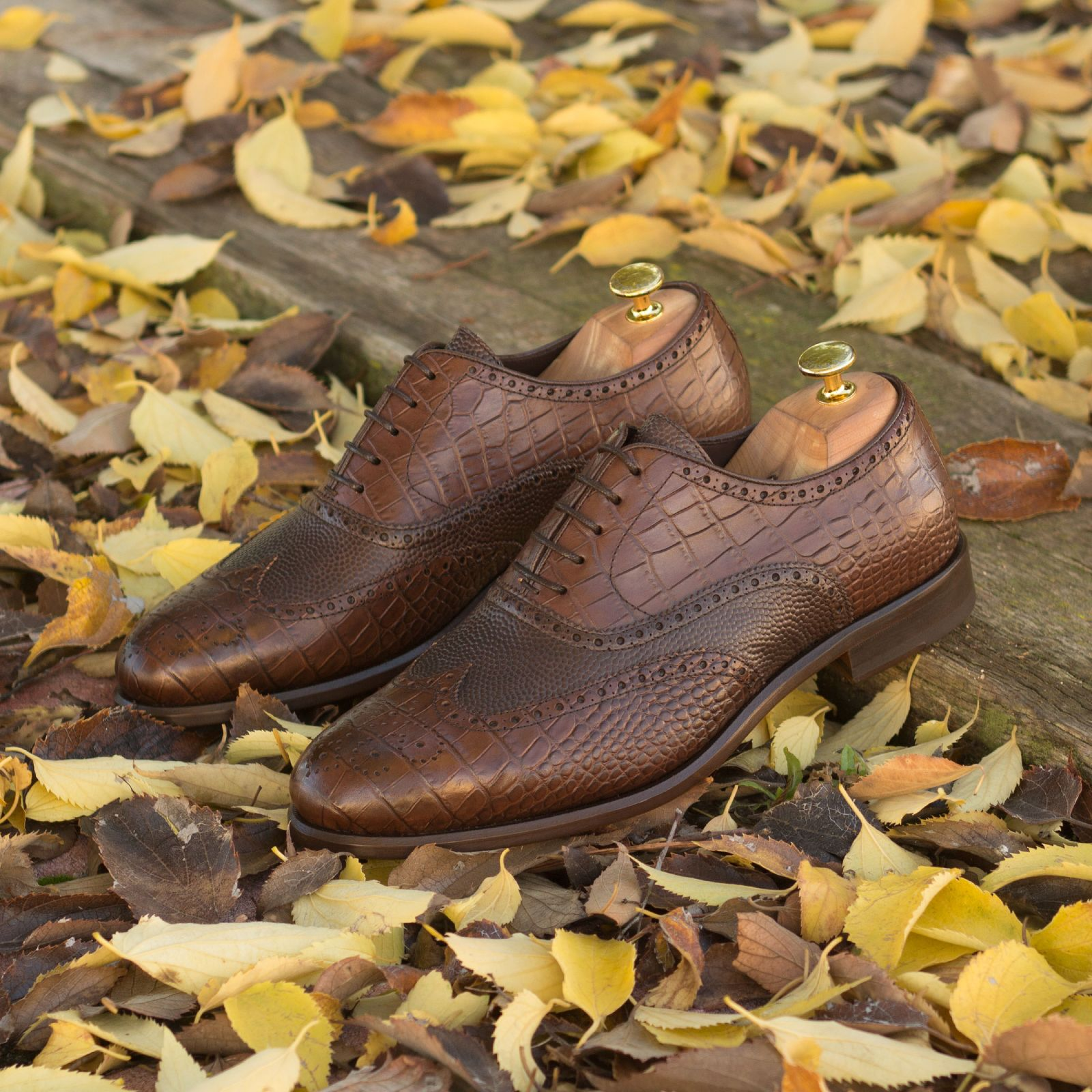 Full brogue  croco brown + dark brown pebble grain : 240€