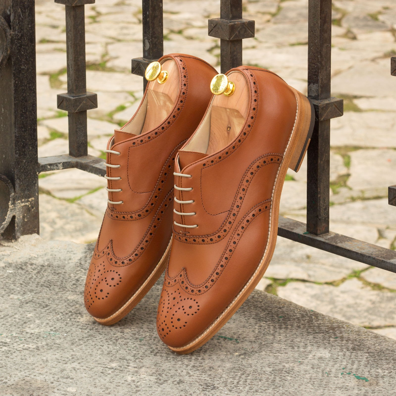 Full brogue cognac box calf : 240€