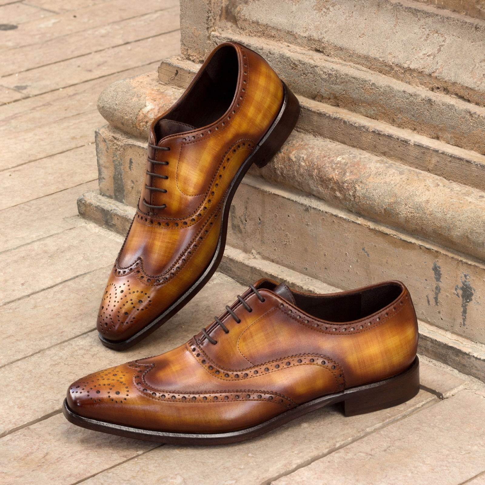 Full brogue  cognac crust patina + brown crust patina : 340€