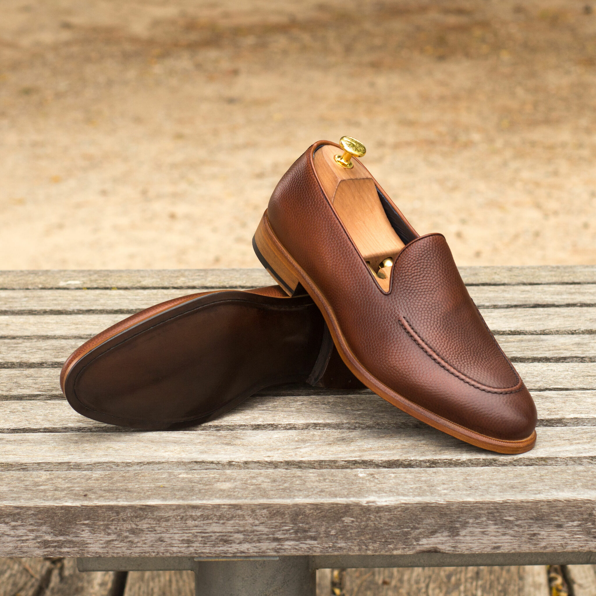 Loafer dark brown painted calf + med brown painted calf : 240€