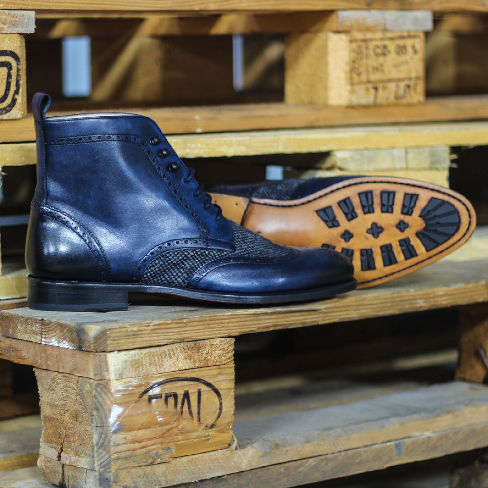 Military brogue nailhead sartorial + navy painted calf : 250€