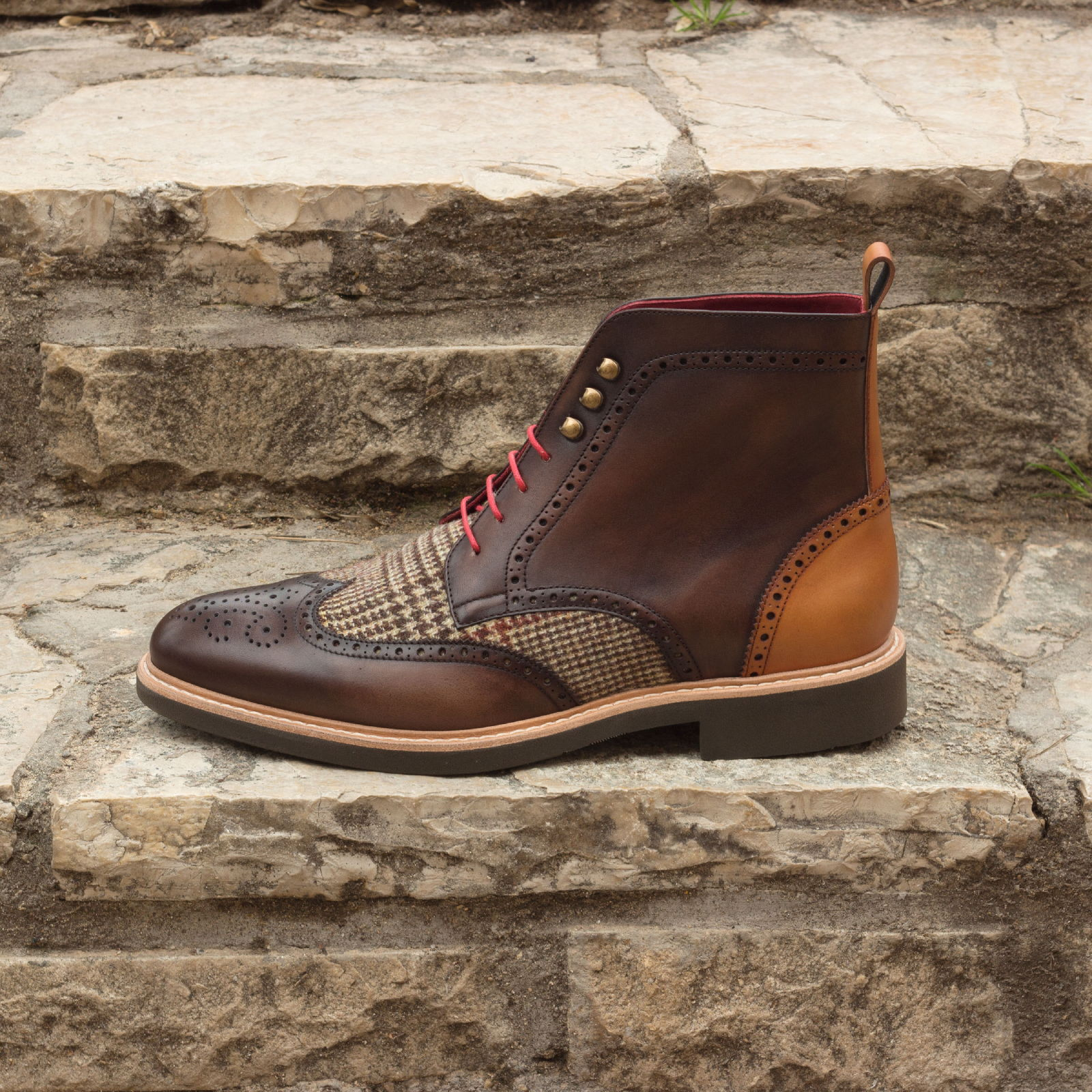 Military brogue tweed sartorial + med brown painted calf + dark brown painted calf : 250€
