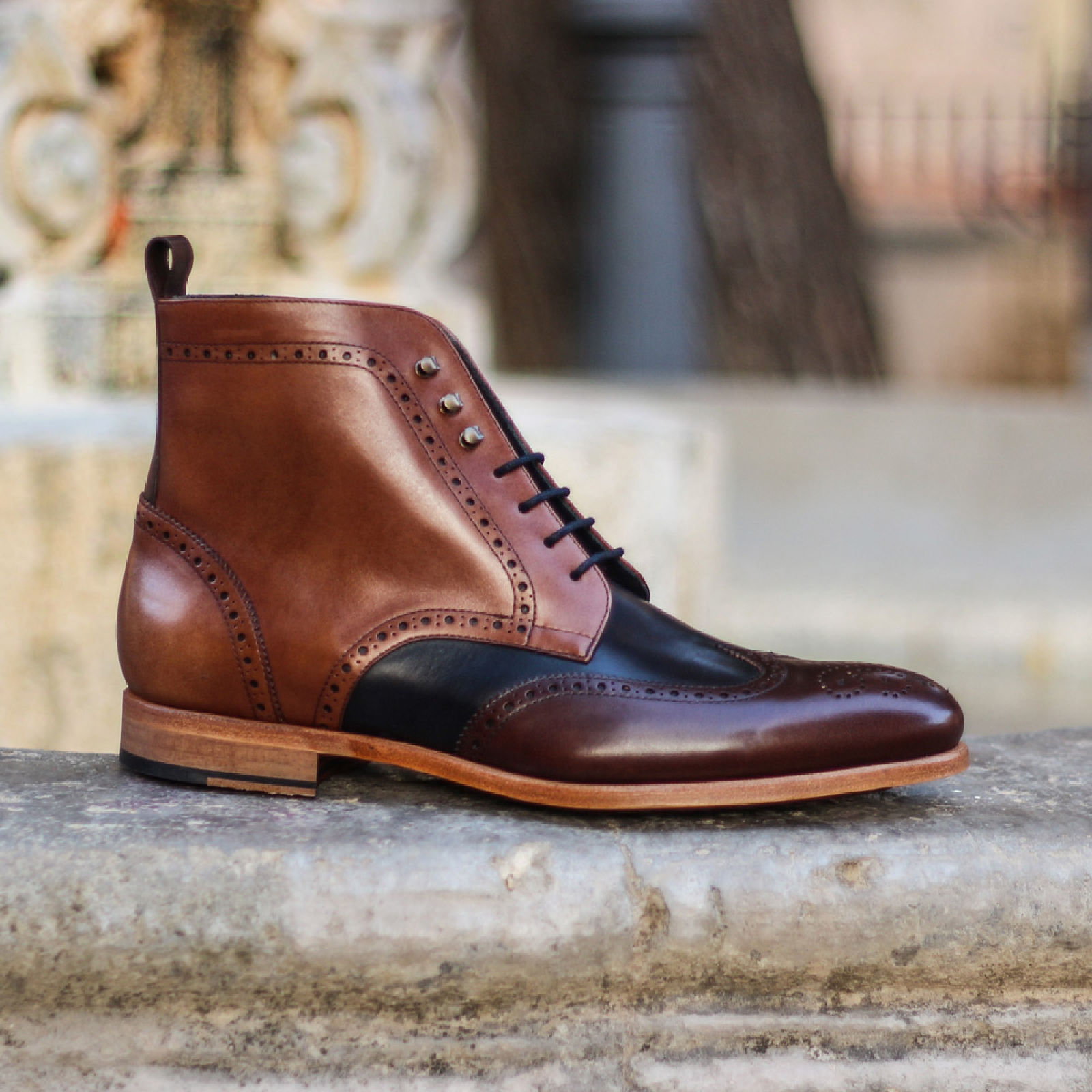Military brogue  burgundy painted calf + med brown painted calf + navy painted calf : 250€