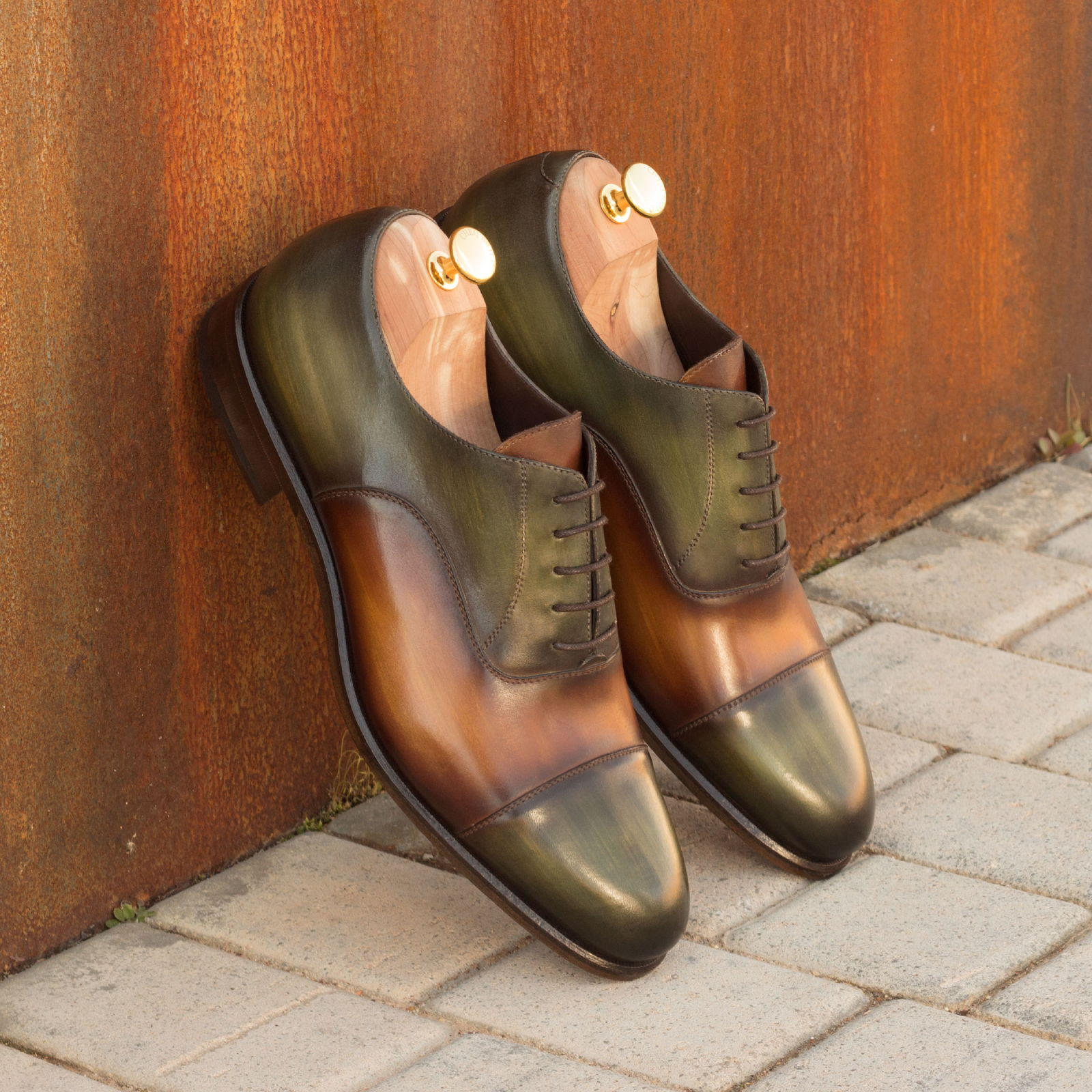 Oxford cognac crust patina + khaki crust patina : 330€