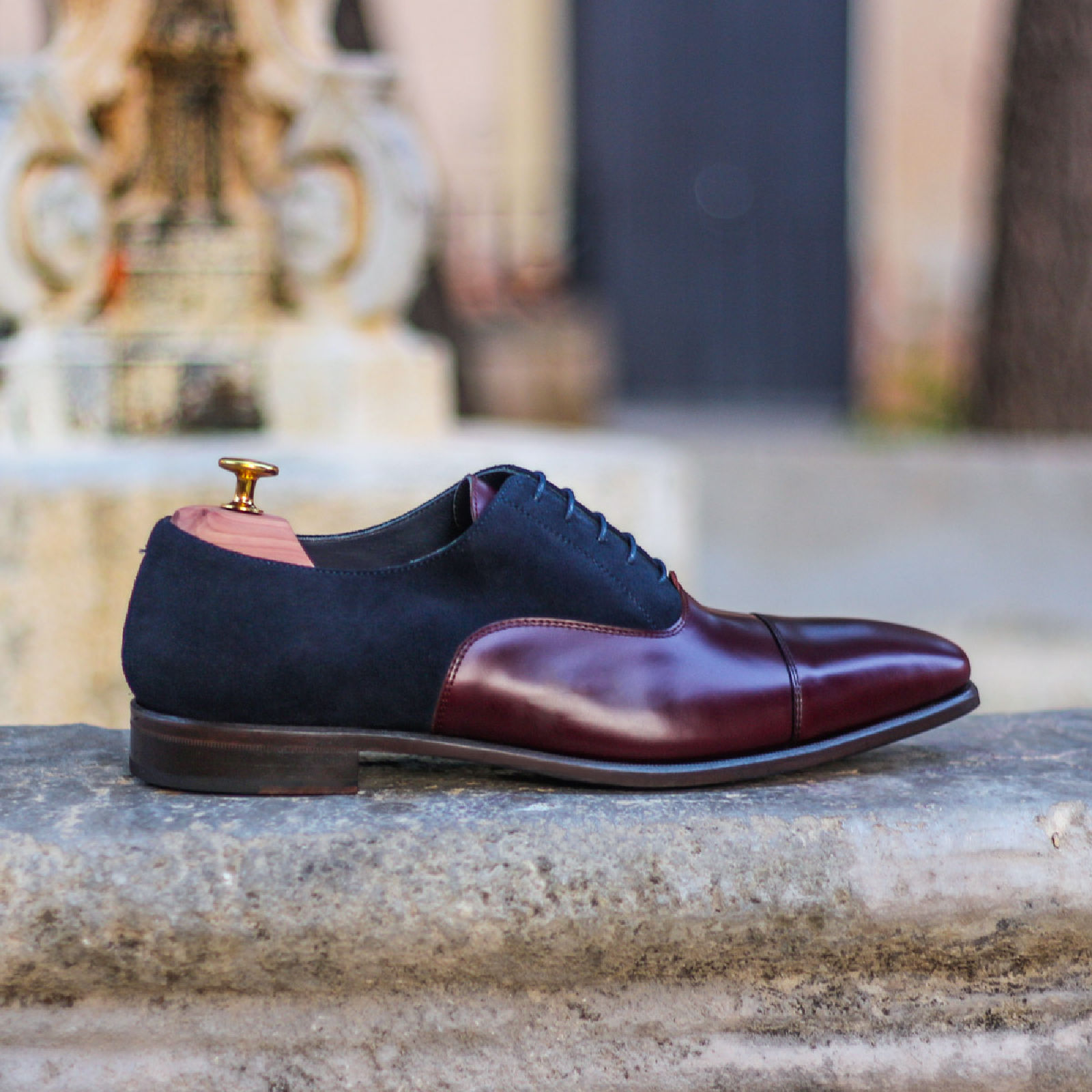 Oxford navy lux suede + burgundy polished calf : 240€