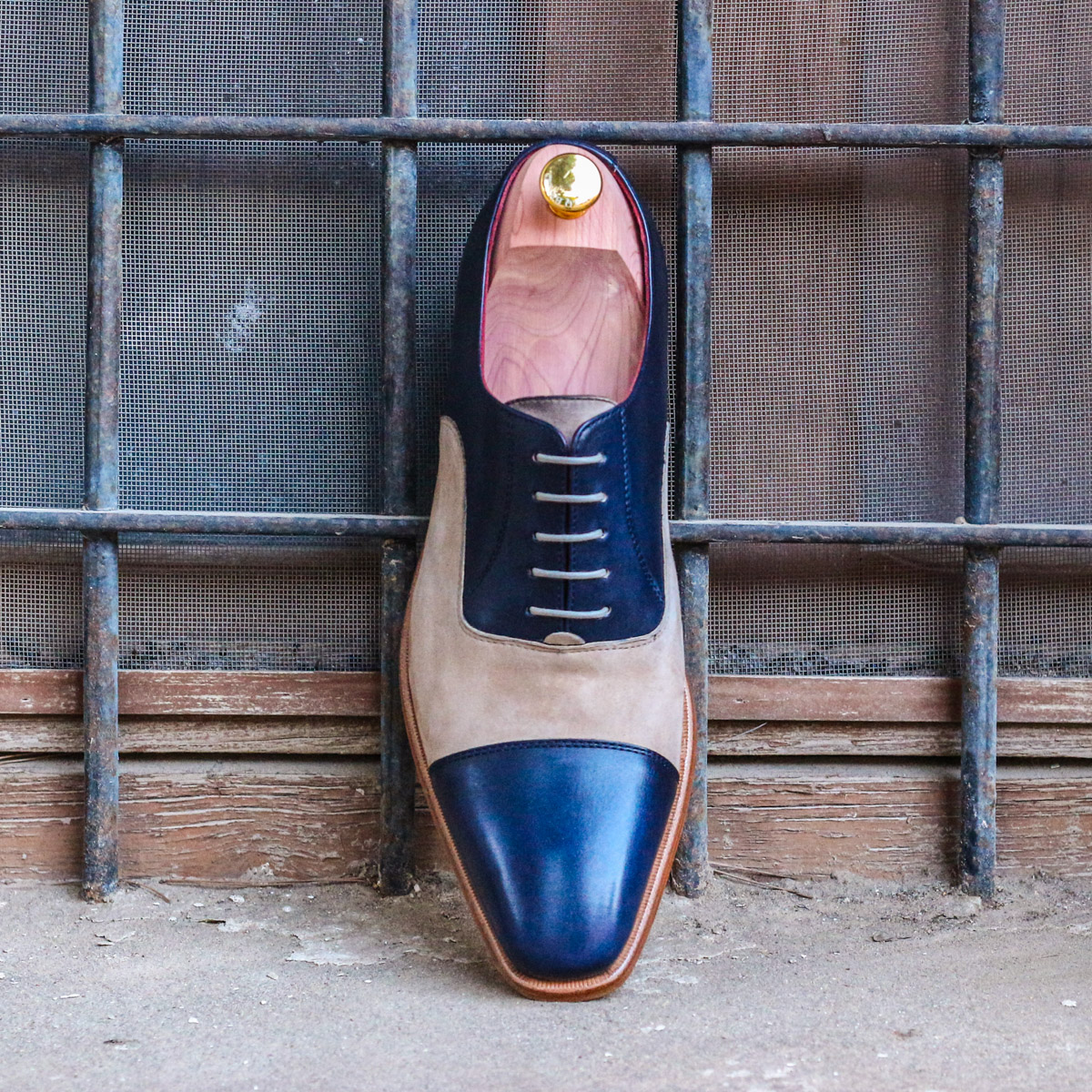 Oxford sand lux suede + navy painted calf : 240