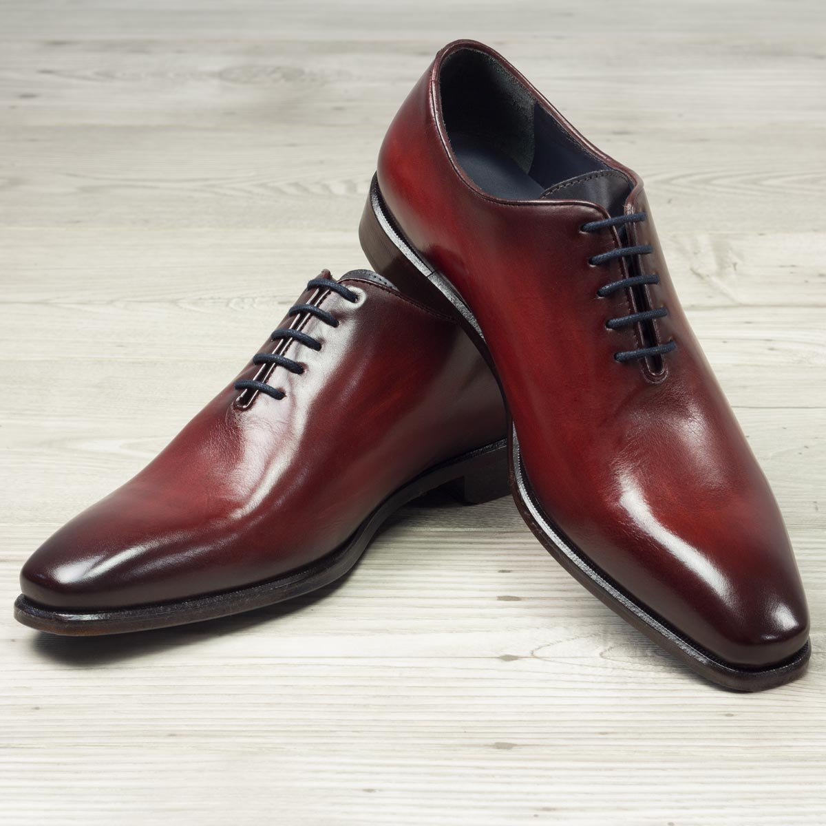 Whole cut grey crust patina + burgundy crust patina : 330€