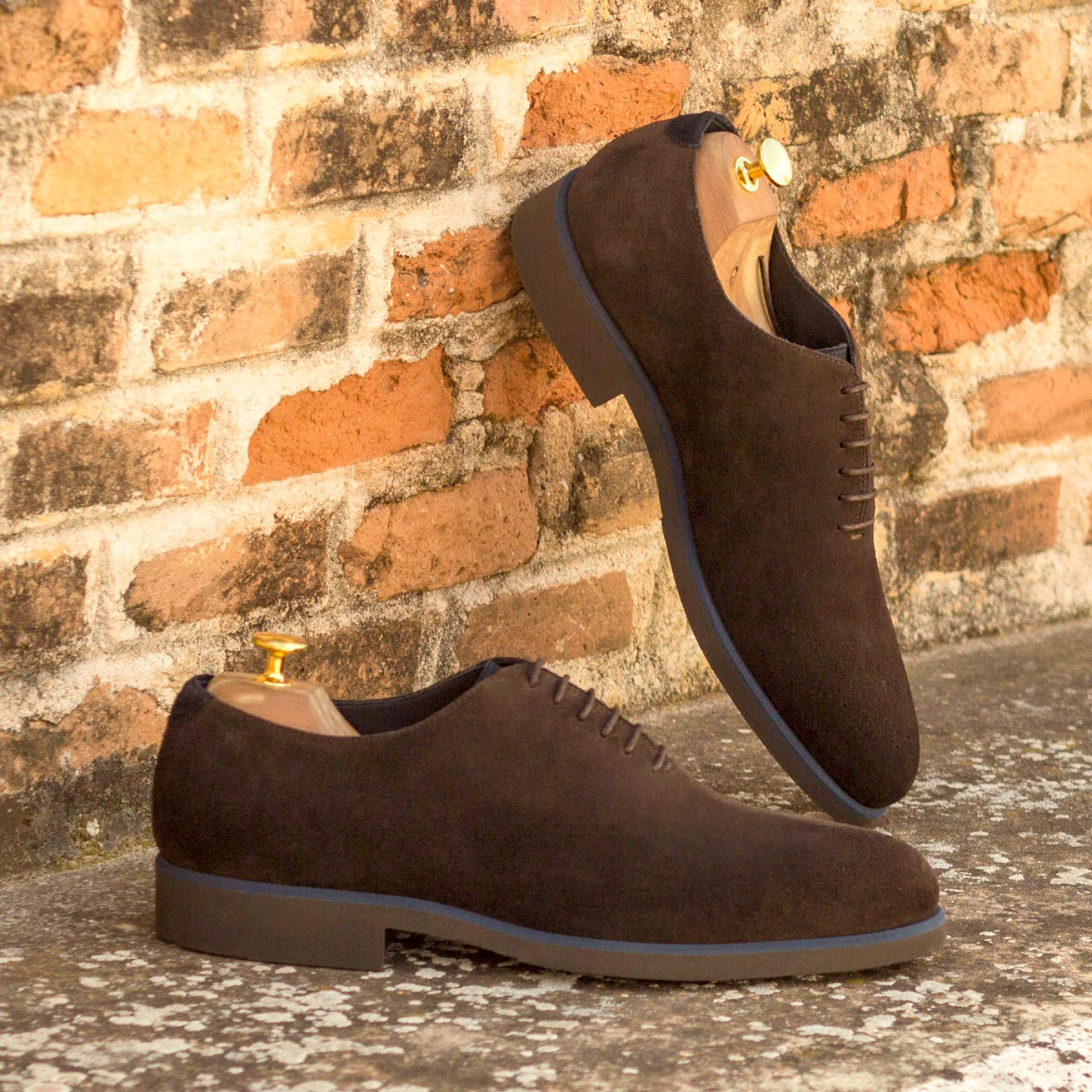 Whole cut dark brown lux suede + navy lux suede : 240€